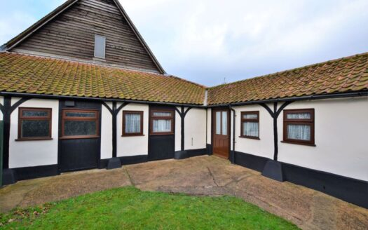 2 Bedroom Barn Conversion For Rent In Welwyn, Hertfordshire